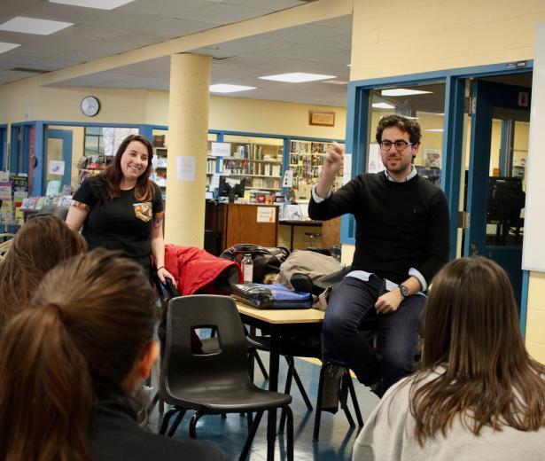 François Jaros rencontre les élèves de l'École Honoré-Mercier