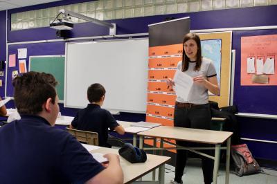 Sarianne Cormier offre une captivante leçon de cinéma à l'école Saint-Edmond !_5
