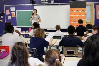 Sarianne Cormier offre une captivante leçon de cinéma à l'école Saint-Edmond !_0
